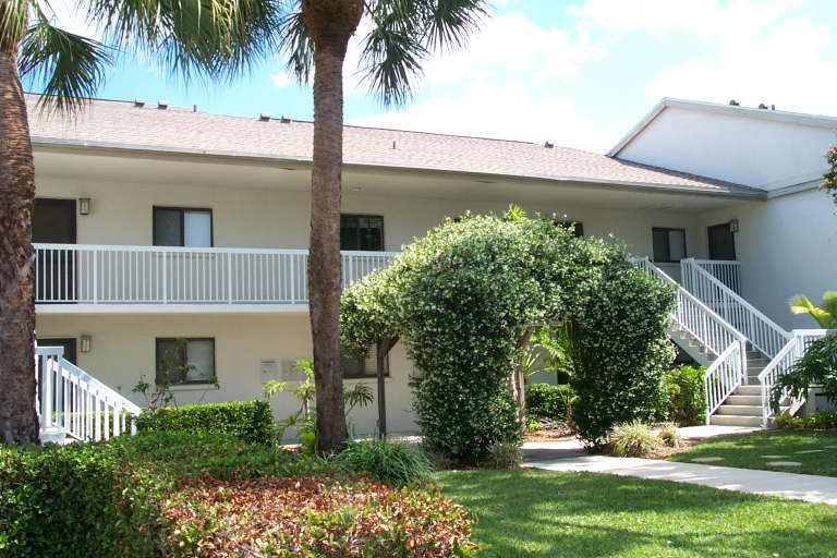 2/2 North Naples Condo