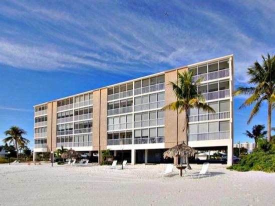 Ft Myers Beachfront 2/2